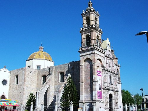 Paseo por Mexico Templo de San Marcos en Aguascalientes