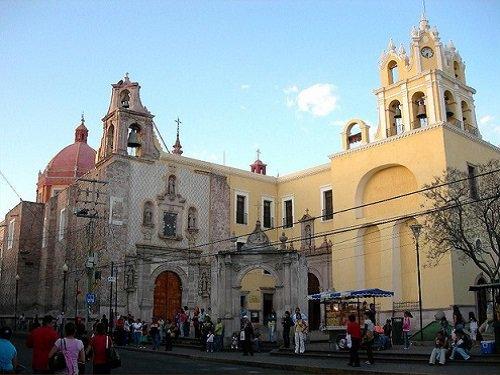 Paseo por Mexico Templo de San Diego en Aguascalientes