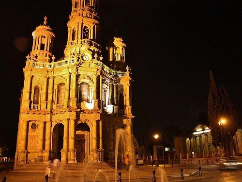 Paseo por Mexico Templo de San Antonio en Aguascalientes