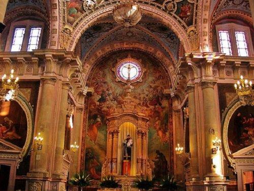 Paseo por Mexico Interior de Templo de San Antonio en Aguascalientes