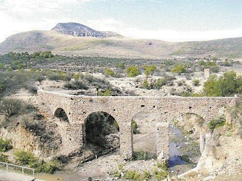 Paseo por Mexico Acueductos de Asientos