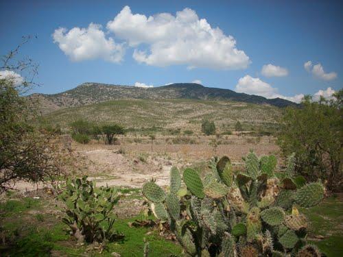 Paseo por Mexico El Cerro El Grande en El Llano
