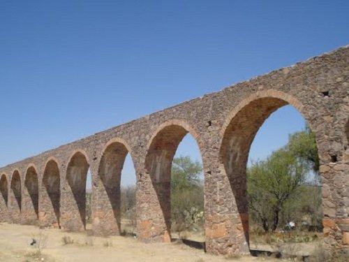 Paseo por Mexico Acueducto (El Saucillo) en Rincón de Romos