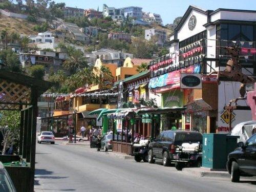 Paseo por Mexico Avenida López Mateos en Ensenada