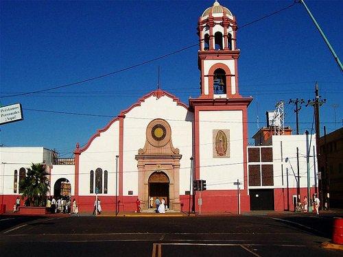 Paseo por Mexico Catedral de Nuestra Señora de Guadalupe en Mexicali