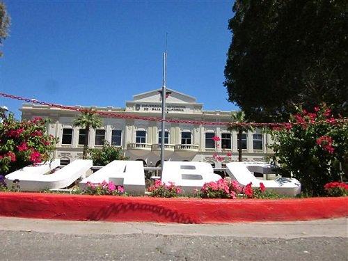 Paseo por Mexico Antiguo Palacio de Gobierno de Mexicali