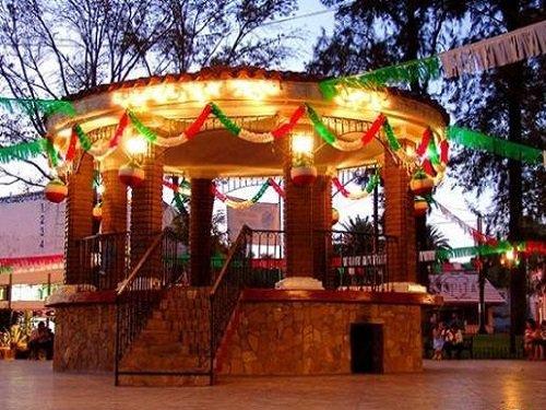 Paseo por Mexico Kiosco de Tecate