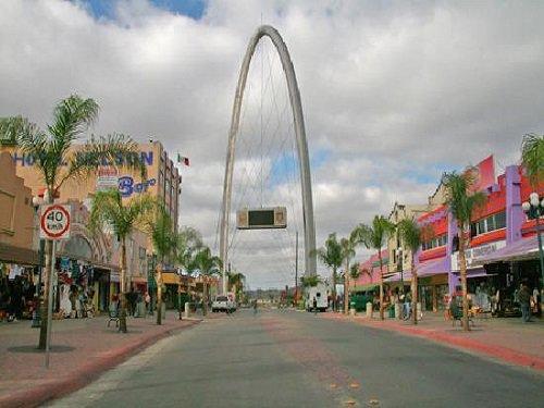 Paseo por Mexico Avenida Revolución en Tijuana