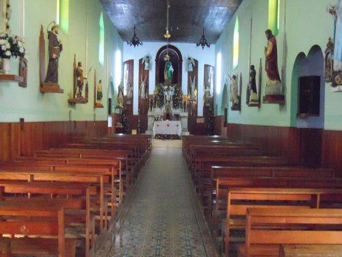 Paseo por Mexico Interior de Templo San José en Acateno