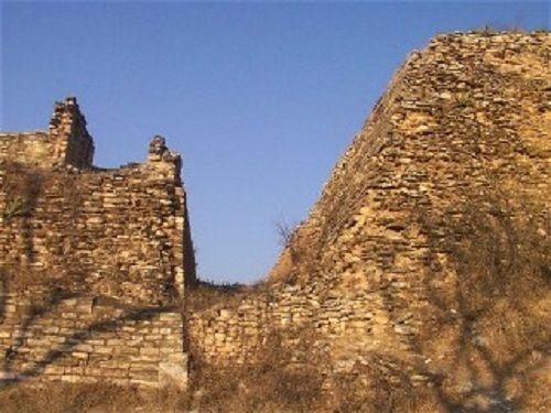 Paseo por Mexico Pirámides las Torres en Acateno