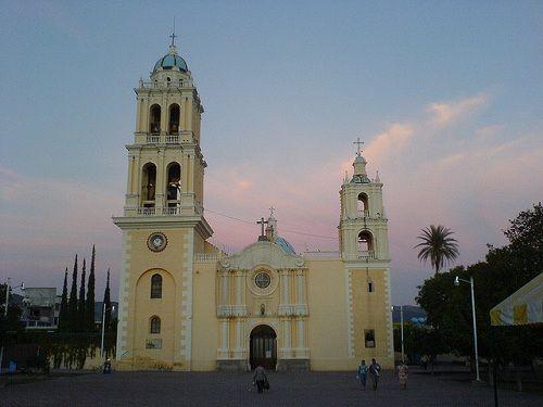 Paseo por Mexico Templo de San Juan Bautista en Acatlán