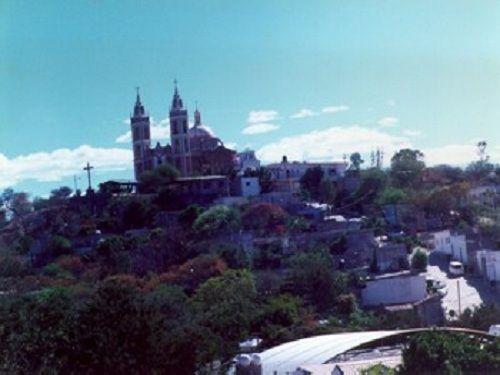 Paseo por Mexico Iglesia del Calvario en Acatlán