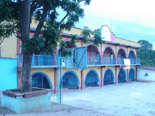 Paseo por Mexico El Palacio Municipal Alchipini, Ahuehuetitla