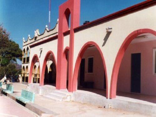 Paseo por Mexico Palacio Municipal y portales de Albino Zertuche