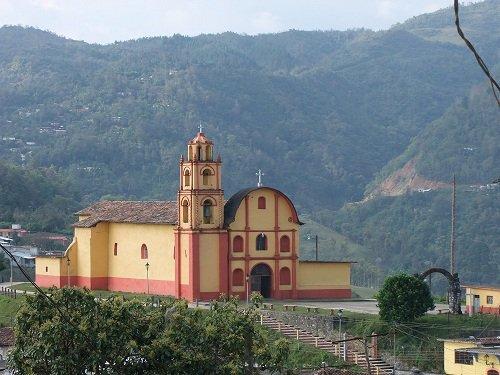 Paseo por Mexico Templo parroquial en advocación a San José Amixtlán