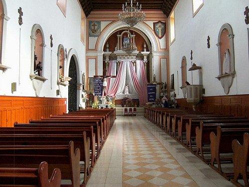 Paseo por Mexico Iglesia parroquial dedicada a San Francisco de Asís interior en Atempan