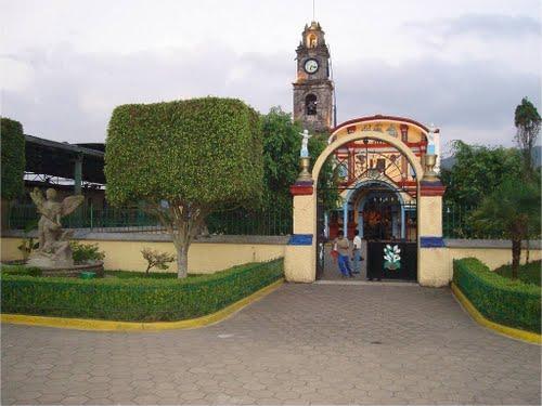 Paseo por Mexico La parroquia a San Miguel Arcángel en Atlequizayan