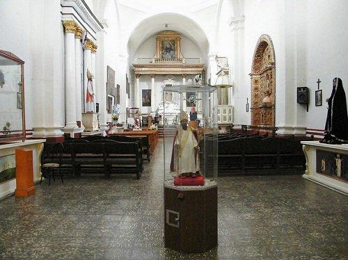 Paseo por Mexico Interior de Iglesia de San Félix Papa en Atlixco