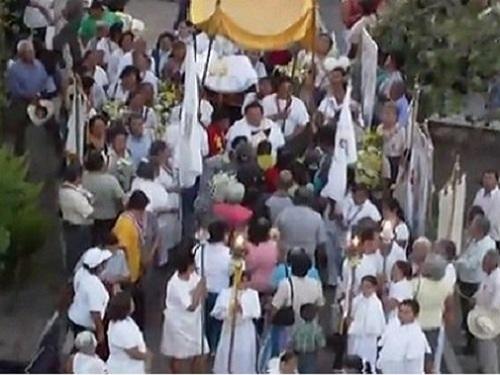 Paseo por Mexico Fiesta patronal de Atzala