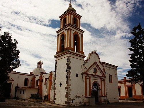 Paseo por Mexico La parroquia de San Antonio en Atzitzintla