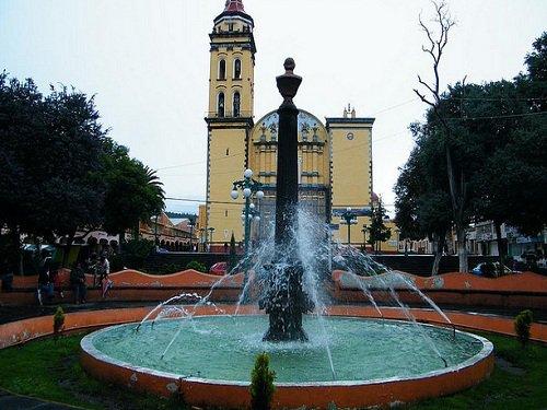 Paseo por Mexico La Fuente del parque de Chalchicomula de Sesma