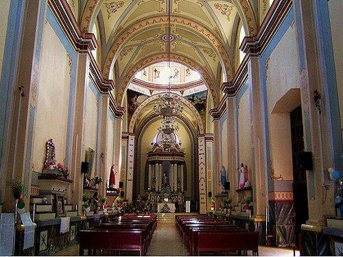 Paseo por Mexico Interior de Templo parroquial en honor a San Pedro en Chapulco