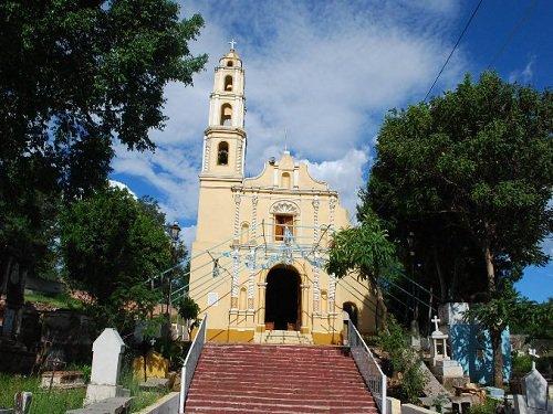 Paseo por Mexico La iglesia de Tlanichiautla en Chiautla de Tapia