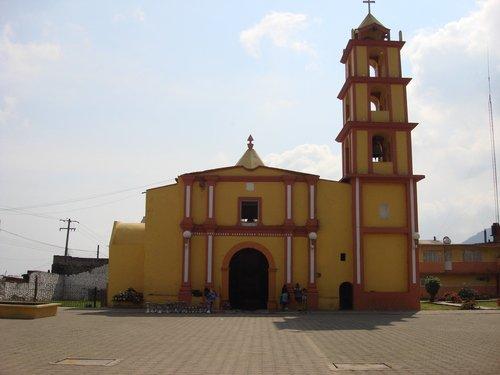 Paseo por Mexico Templo parroquial en honor a San Mateo en Chichiquila
