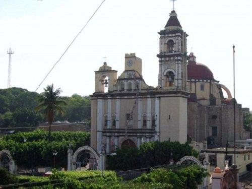 Paseo por Mexico Templo de San Francisco en Chietla