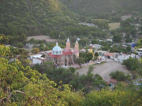 Paseo por Mexico Templo parroquial Chinantla