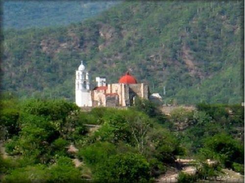 Paseo por Mexico Templo parroquial de Santa María de la Asunción en Cohetzala