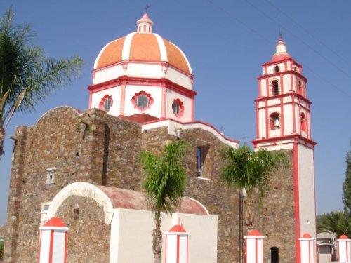 Paseo por Mexico Templo parroquial en honor a San Bartolomé en Cohuecán