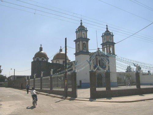 Paseo por Mexico Templo de la Asunción en Coronango
