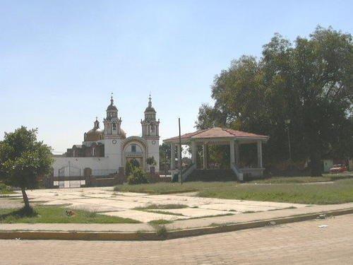 Paseo por Mexico La Iglesia de San Francisco Ocotlan en Coronango