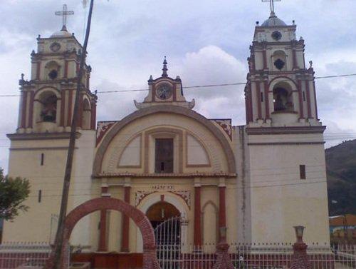 Paseo por Mexico Templo parroquial a santísima Virgen María de Coyomeapan