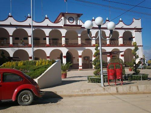 Paseo por Mexico Palacio Municipa Coyomeapan