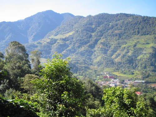 Paseo por Mexico El cerro Cozotl en Cuautempan