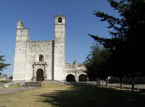 Paseo por Mexico El ex convento Franciscano de Cuautinchán