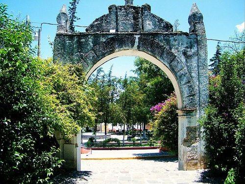 Paseo por Mexico Arcos de ex convento Franciscano de Cuautinchán