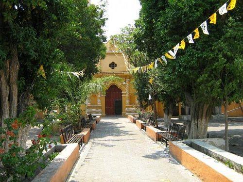 Paseo por Mexico Templo parroquial a San Pedro Apóstol en Cuayuca de Andrade