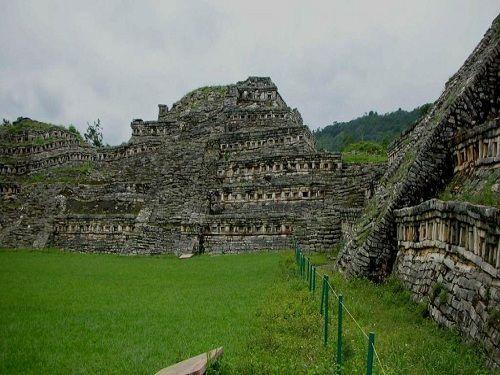 Paseo por Mexico Zona Arqueológica de Yohualichan en Cuetzalan del Progreso