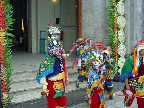 Paseo por Mexico La Danza de los Santiagos de Cuetzalan del Progreso