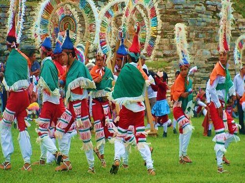 Paseo por Mexico La Danza de los Quetzales o Cuetzalines de Cuetzalan del Progreso