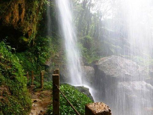 Paseo por Mexico La cascada Corazón de Bosque en Cuetzalan del Progreso