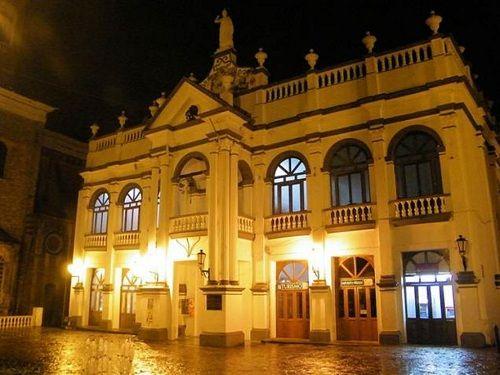 Paseo por Mexico Palacio Municipal de Cuetzalan del Progreso