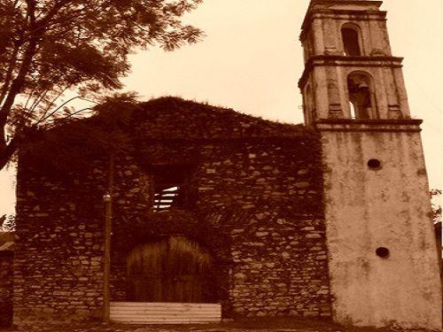 Paseo por Mexico Templo parroquial de San Miguel Arcángel en Eloxochitlán