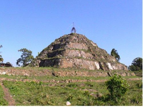 Paseo por Mexico Ruinas de cerco de piedras en Francisco Z. Mena