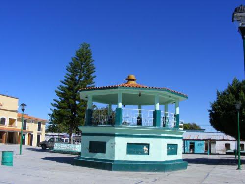 Paseo por Mexico Kiosco de Huatlatlauca