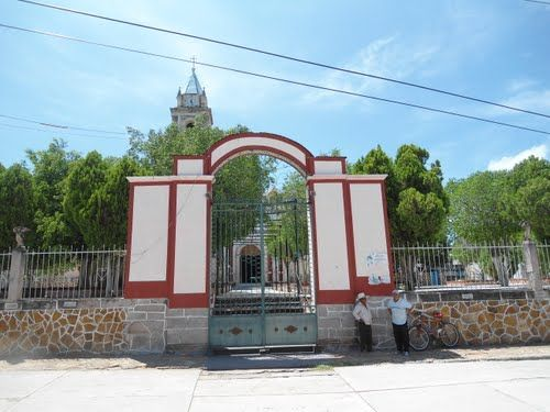 Paseo por Mexico Templo de San Nicolás de Huehuetlán el Chico