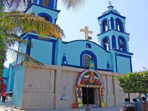 Paseo por Mexico Templo parroquial a Santo Domingo de Guzmán en Huehuetlán el Grande